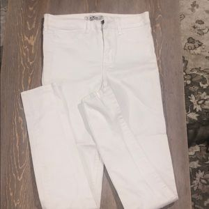 White hollister jeans 🌶5 for 40$🌶